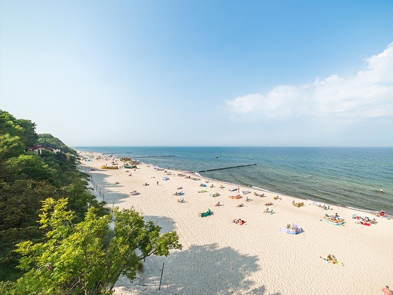 plaża w pobierowie nad morzem